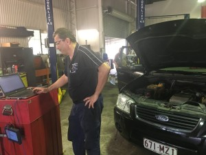 Car Electrical Repairs Enoggera - Manny with Computer